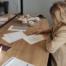 Eva Everloo tekent de statuten